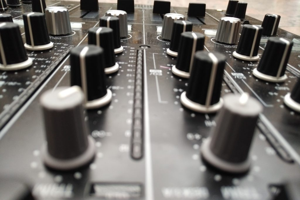 DJ Equipment mieten.